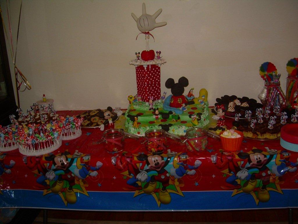 MICKEY MOUSE DESSERT TABLE-