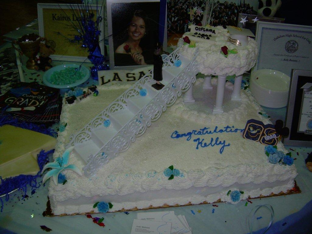 GRADUATION BRIDGE CAKE-