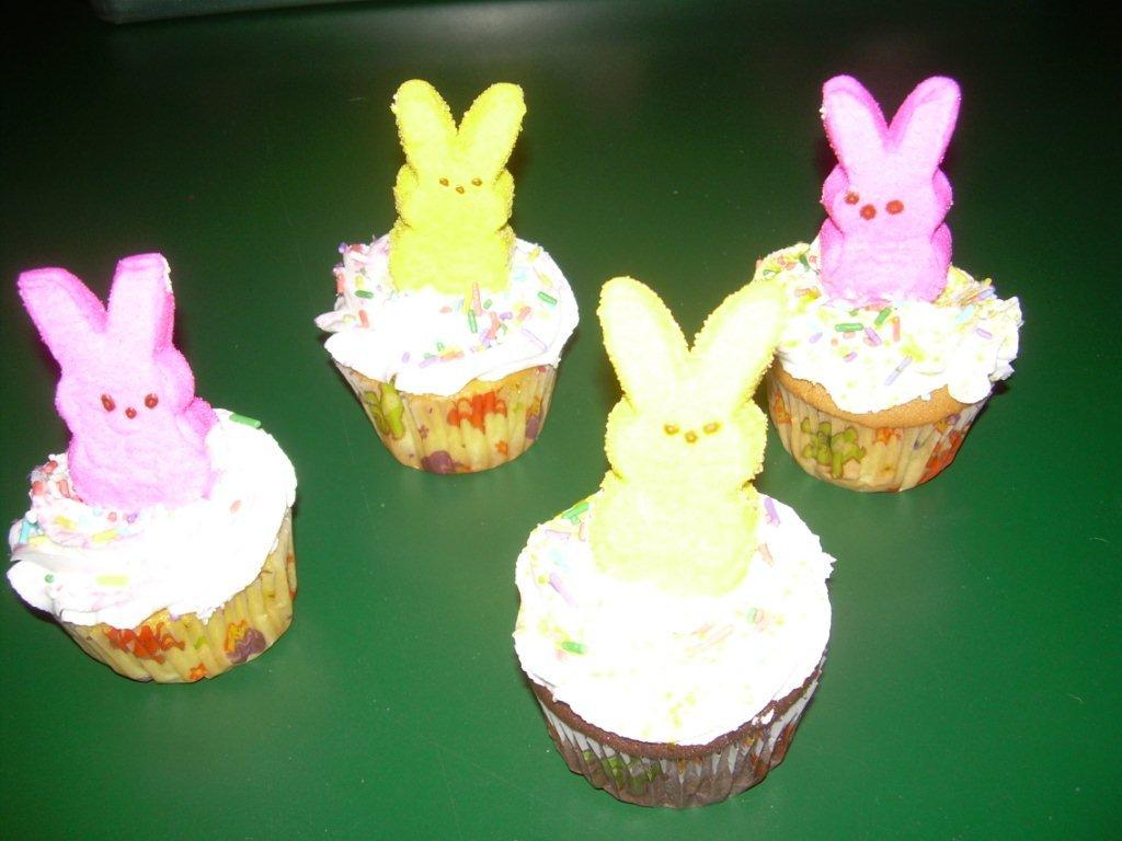 EASTER CUPCAKES-