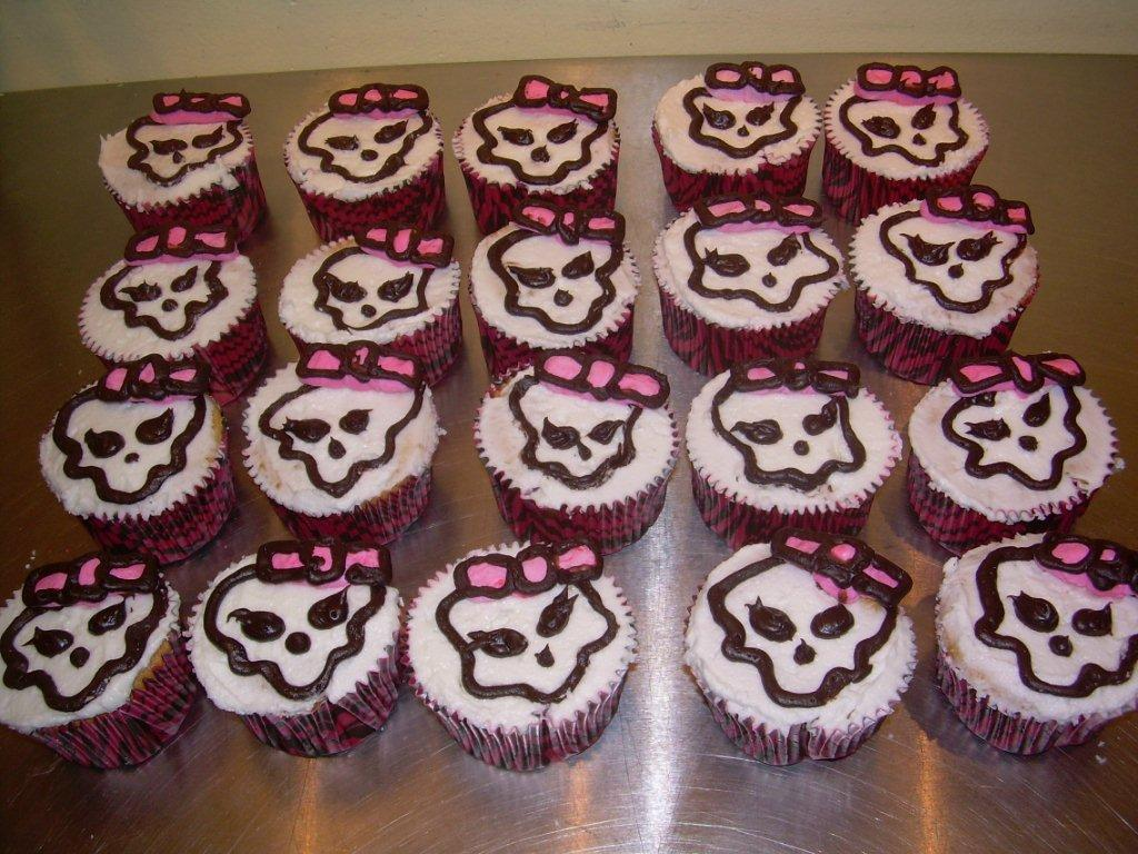 MONSTER HIGH CUPCAKES-